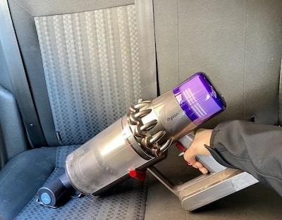 aspirator dyson v8